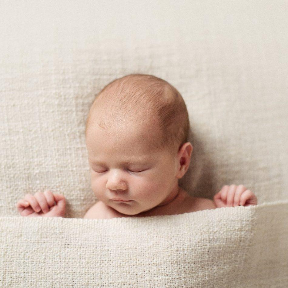نحوه مراقبت قبل و بعد از افتادن بند ناف نوزاد