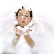 عادات اشتباه در زمان استحمام