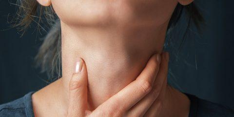 سرطان حنجره و علائم و عوامل به وجود آورنده آن