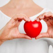 کاهش عوارض بیماری های قلبی با رعایت این توصیه های غذایی